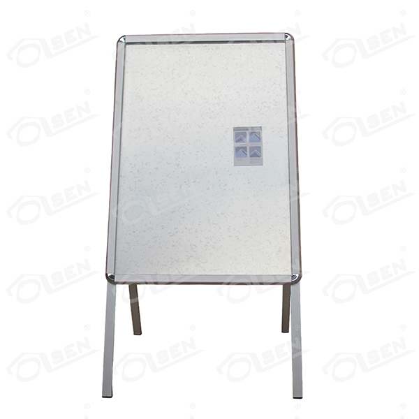 Single sided poster board